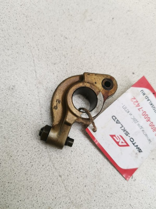 Рокер клапана Mitsubishi Lancer CA1A 4G13