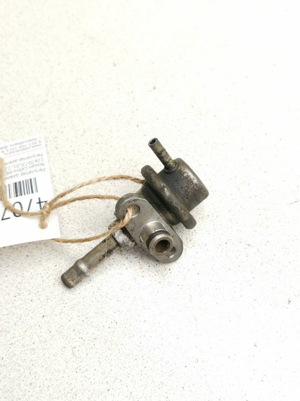 Регулятор давления топлива Nissan Cefiro HC33 RB20D