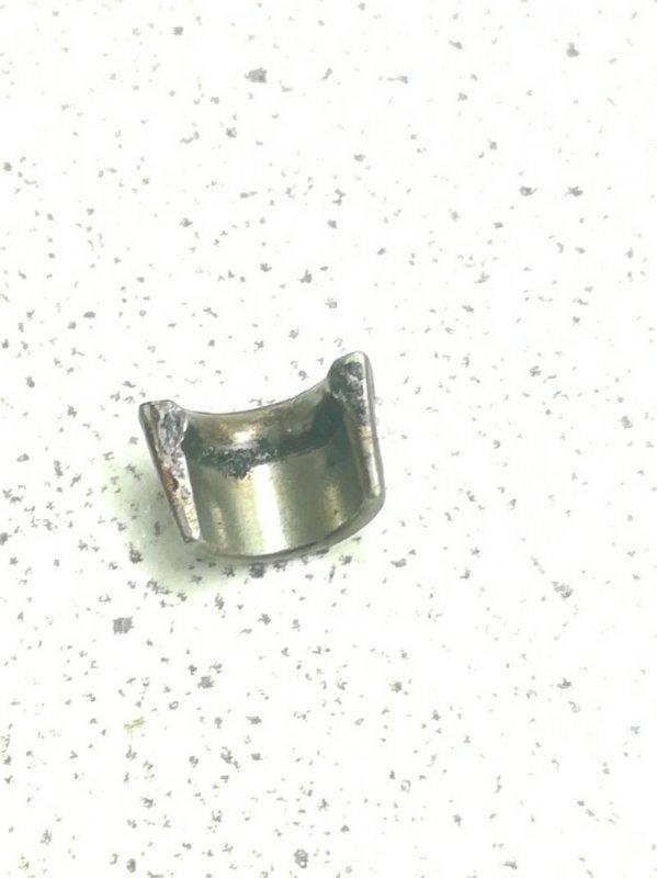 Сухарь клапана Mazda Verisa DC5R ZJVE