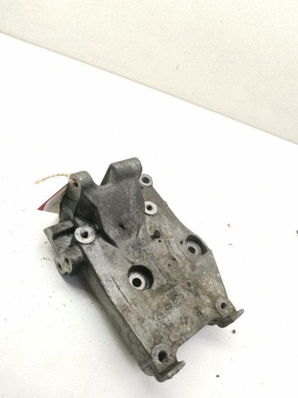 Кронштейн компрессора кондиционера Nissan Bluebird QU14 QG18DE