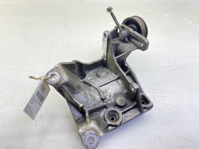 Кронштейн компрессора кондиционера Toyota Altezza GXE10 1GFE