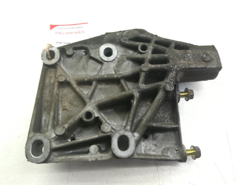 Кронштейн компрессора кондиционера Honda Civic EK D15B