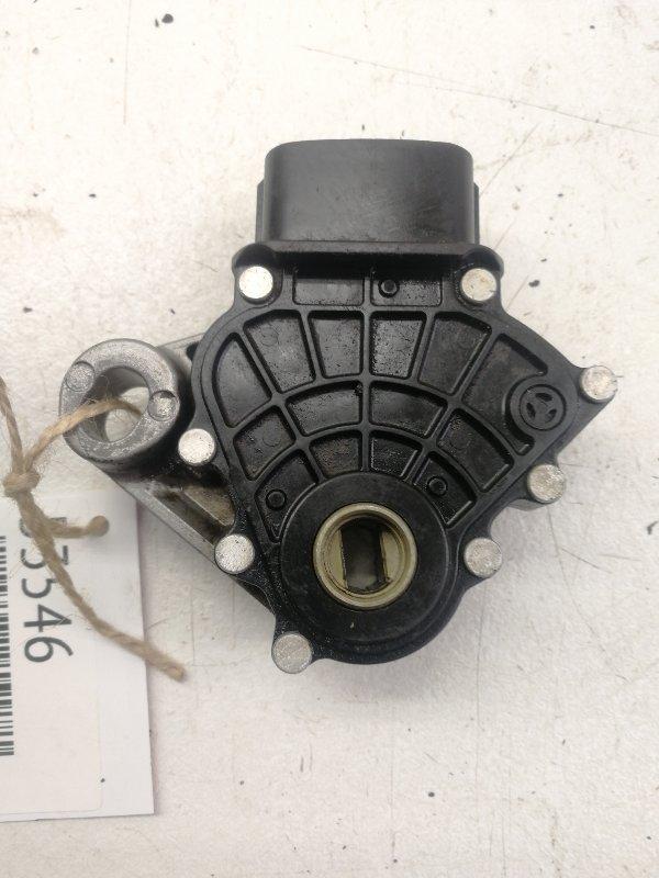 Датчик положения селектора акпп Suzuki Escudo TD62W J20A