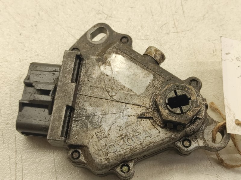 Датчик положения селектора акпп Toyota Camry MCV10L 1MZFE