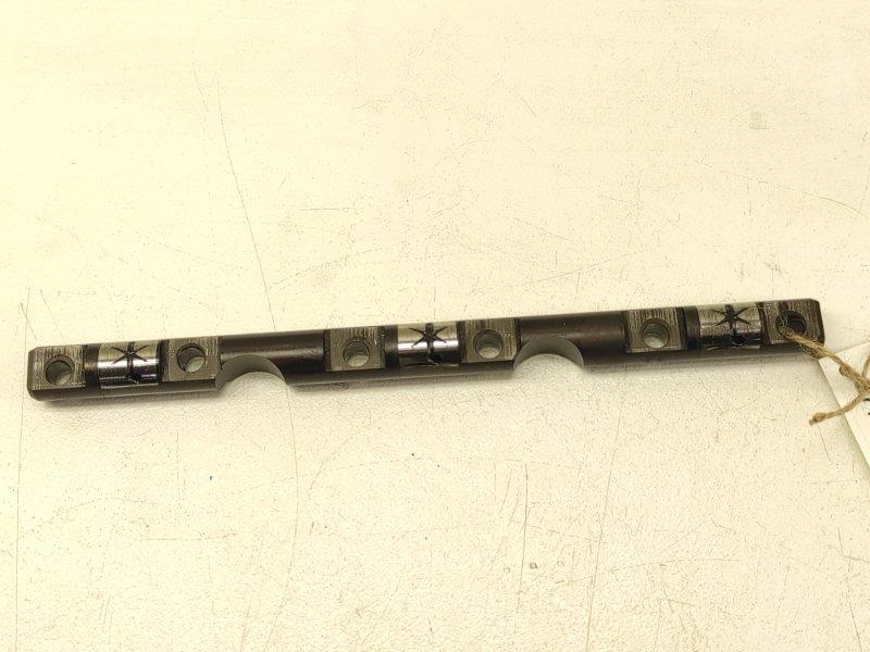 Ось коромысел Nissan Skyline HR33 RB20E