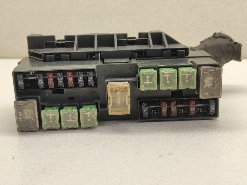 Блок предохранителей Nissan Liberty RM12 QR20DE
