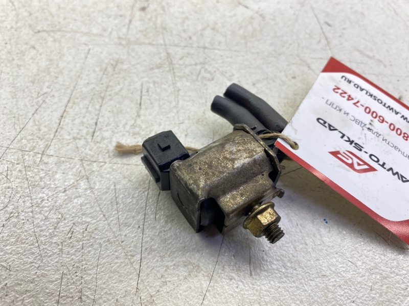 Клапан вакуумный Mitsubishi Chariot Grandis N84W 4G64