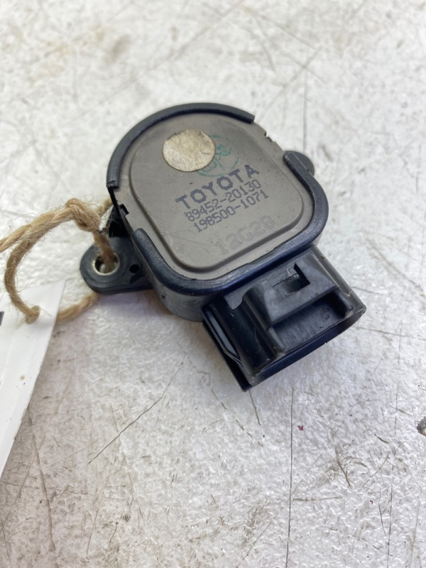 Датчик положения дроссельной заслонки Toyota Corolla ZZE122L 1ZZFE