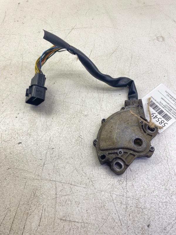 Датчик положения дроссельной заслонки Mitsubishi Pajero K96W 4D56