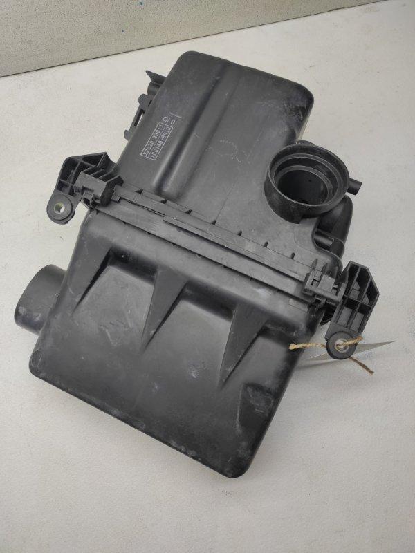 Корпус воздушного фильтра Toyota Vitz SCP90 2SZFE