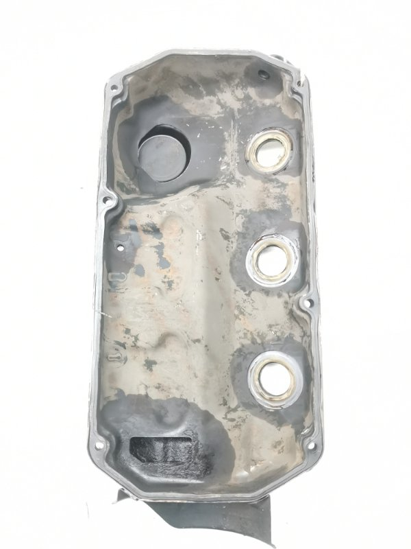 Крышка головки блока цилиндров Mitsubishi Delica Space Gear PD6W 6G72