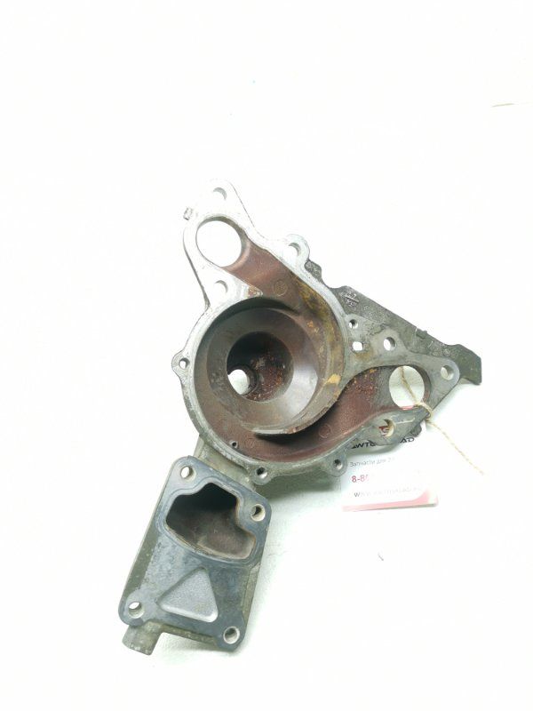 Корпус помпы Mitsubishi Delica Space Gear PD6W 6G72