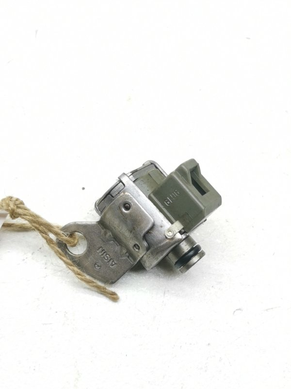 Соленоид Toyota Hilux LN130G 2LTE