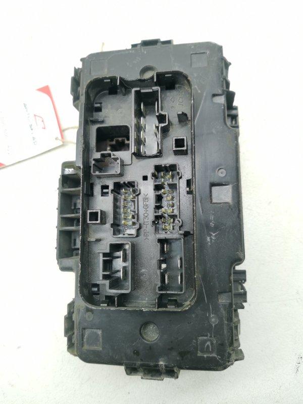 Блок предохранителей Honda Civic EU3 D15B