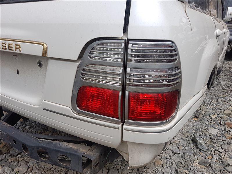 Стоп-сигнал Toyota Land Cruiser UZJ100 2UZ-FE 2003 задний правый