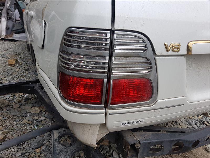Стоп-сигнал Toyota Land Cruiser UZJ100 2UZ-FE 2003 задний левый