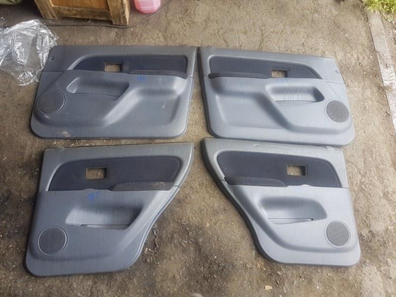 Обшивки дверей Toyota Surf KZN185 1KZ-TE