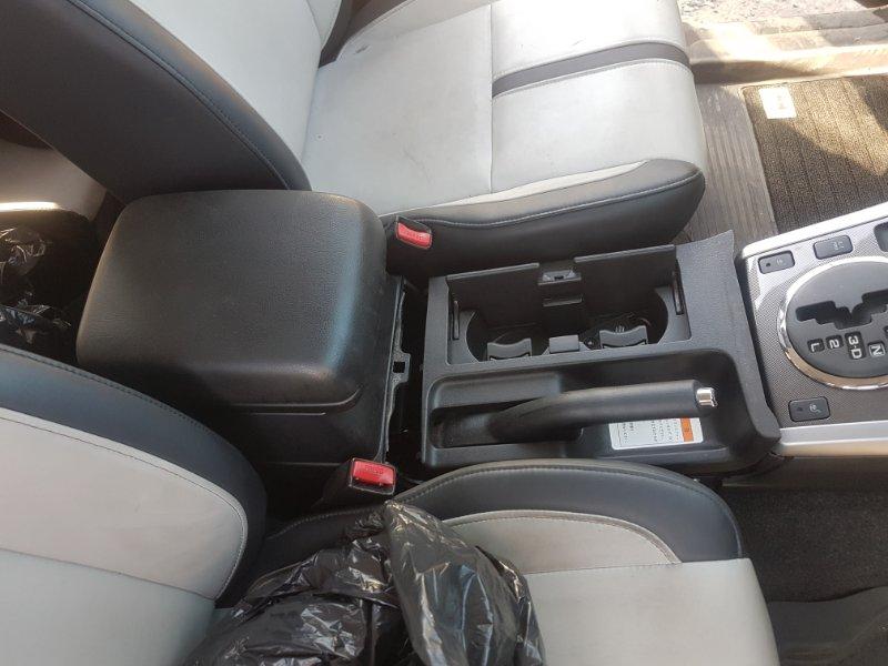 Бардачок Suzuki Escudo TD54W J24B 2009