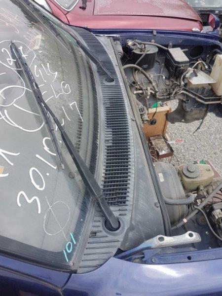 Жабо Toyota Hilux Surf VZN185 5VZ-FE 1996