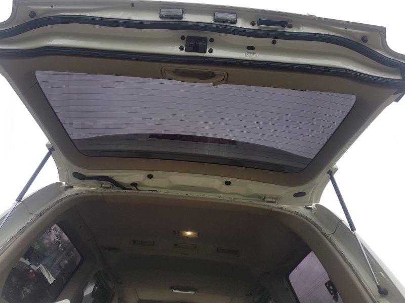 Дверь 5 Toyota Land Cruiser Cygnus UZJ100 2UZ-FE 2000 задняя верхняя