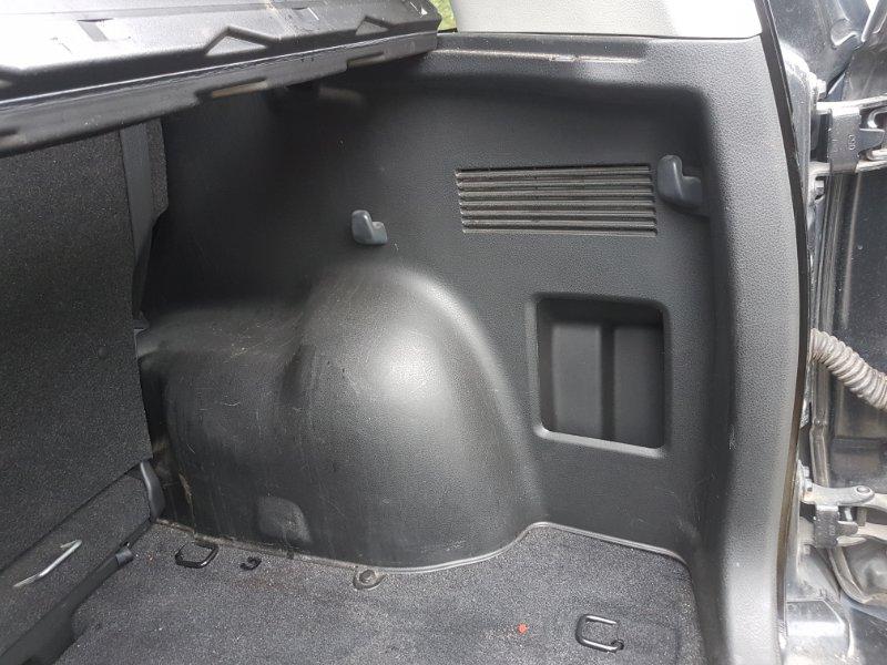 Обшивка багажника Suzuki Escudo TD54W J24B 2009 задняя правая