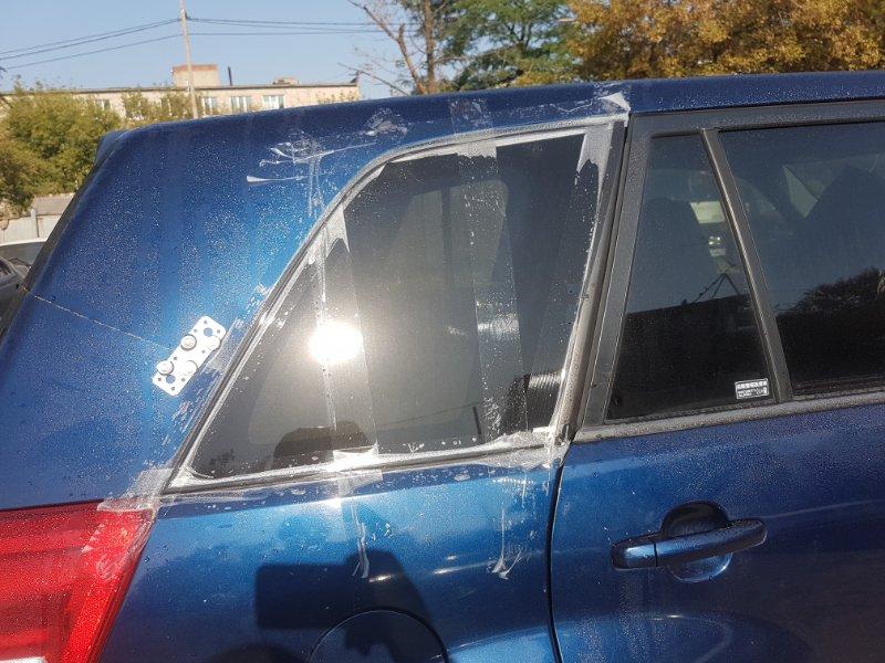 Стекло собачника Suzuki Escudo TD54W J24B 2009 заднее правое