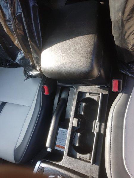 Подлокотник Suzuki Escudo TD54W J24B 2009