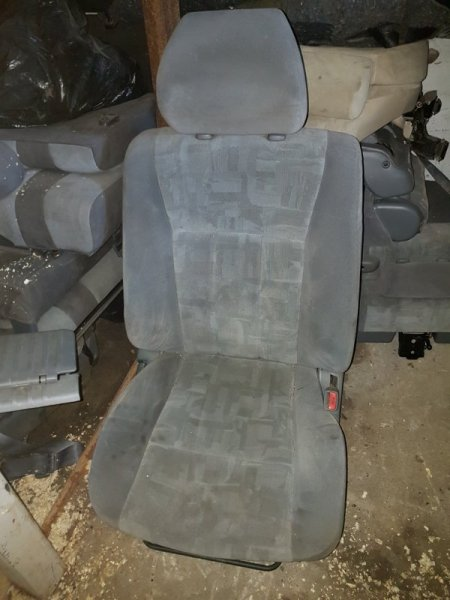 Комплект сидений Toyota Land Cruiser UZJ100 2UZ-FE 1999