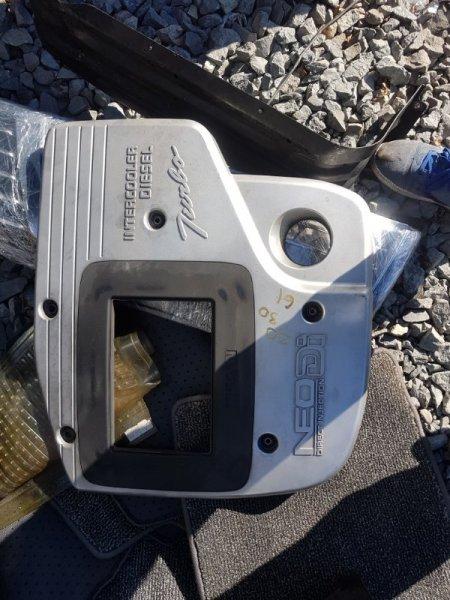 Крышка двигателя Nissan Safari WTY61 ZD30