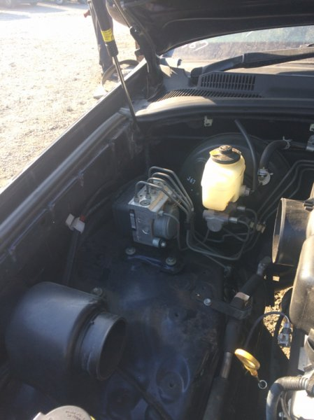 Главный тормозной цилиндр Toyota Hilux Surf 215