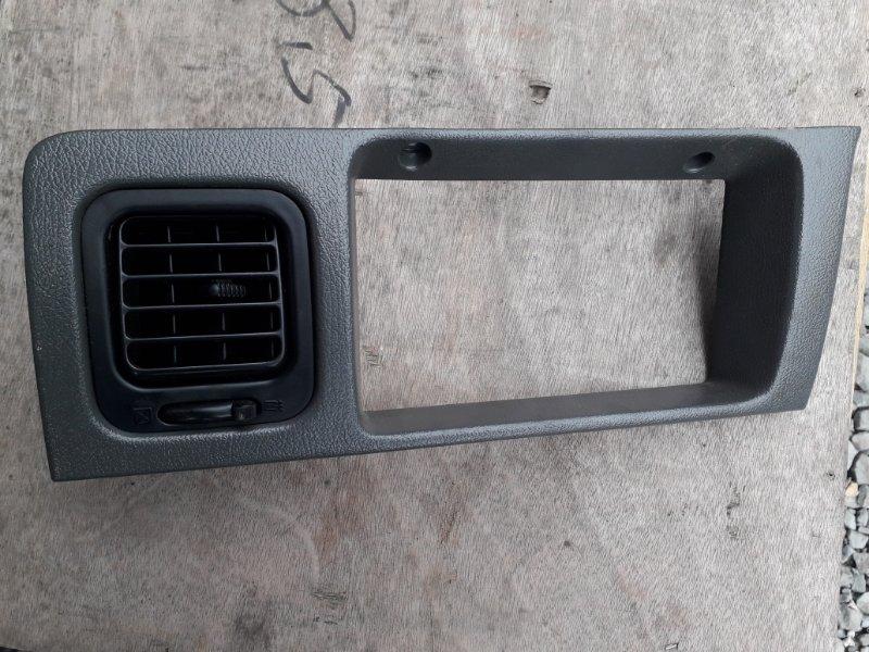 Рамка магнитофона Toyota Land Cruiser Prado KZJ78