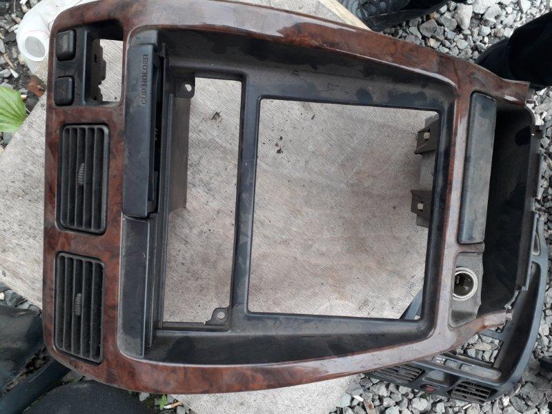 Рамка магнитофона Toyota 4Runner 185