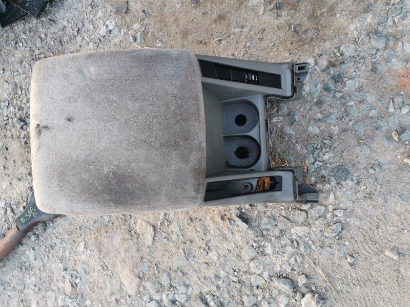 Бардачок Nissan Safari WTY61 ZD30