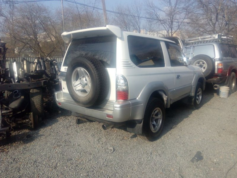 Брызговик Toyota Land Cruiser Prado 90 задний