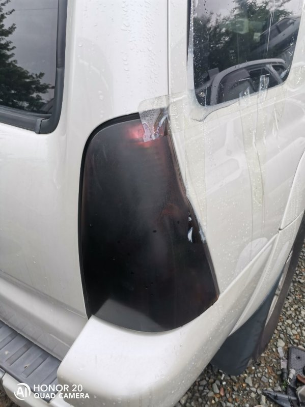 Стоп-сигнал Toyota Hilux Surf RZN215 3RZ правый