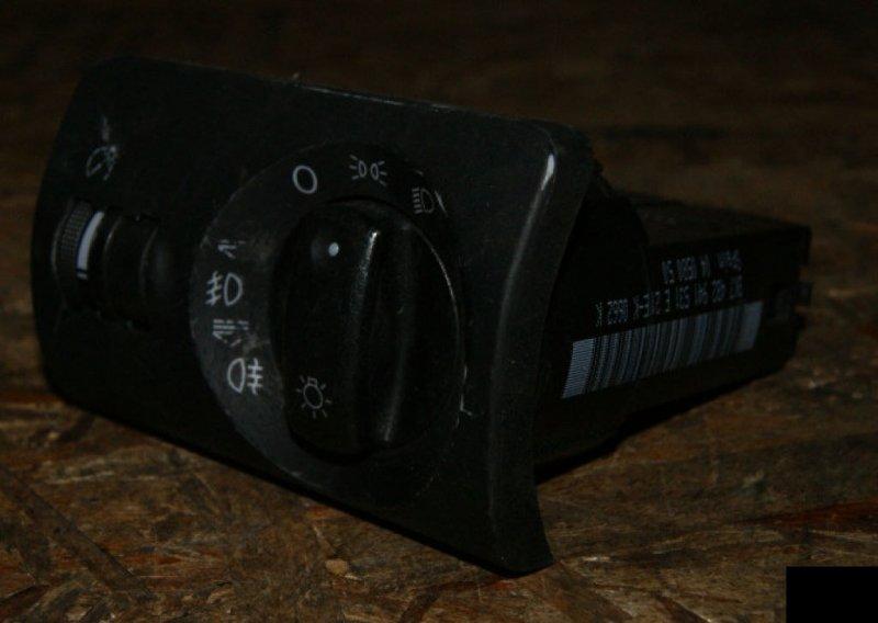 Переключатель поворотов Audi A6 C5 ARE
