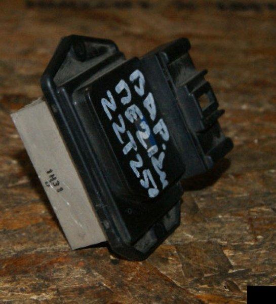 Резистор Toyota Avensis ZZT250 1ZZFE
