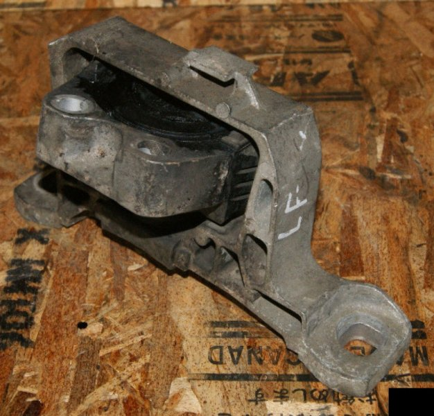 Подушка двигателя Mazda Axela BKEP LFVE правая