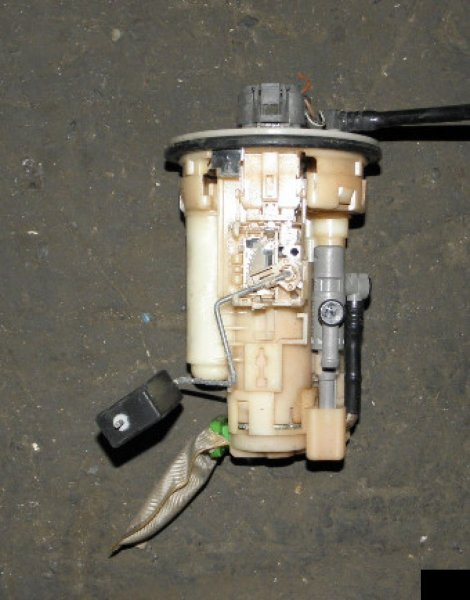 Топливный насос Toyota Ist NCP65 1NZFE