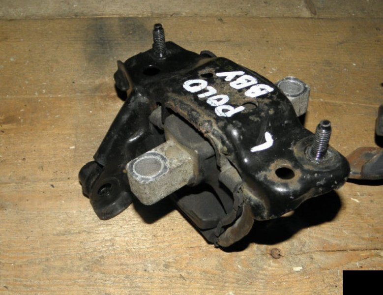 Подушка двигателя Volkswagen Polo POLO IV BBY левая