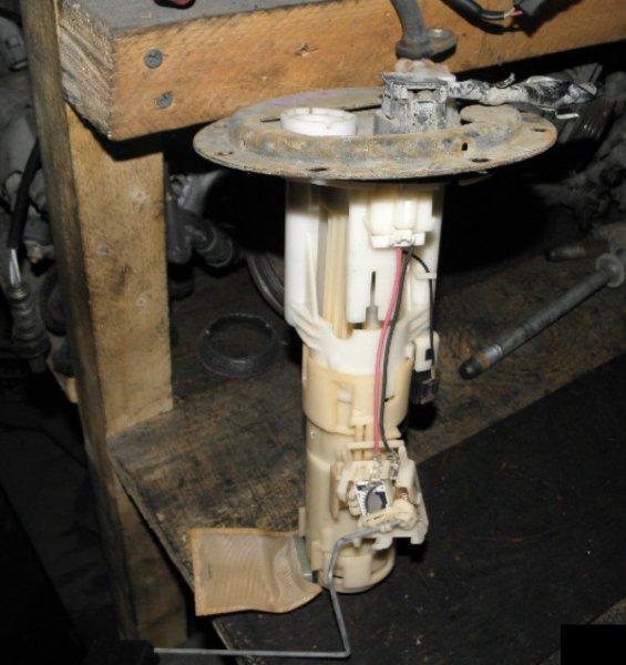Топливный насос Toyota Cami J102E K3-VE