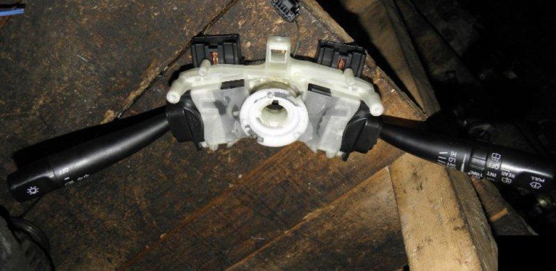Блок подрулевых переключателей Toyota Carina AT211 3SFE