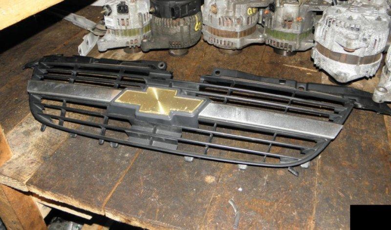 Решетка радиатора Suzuki Chevrolet Cruze HR81S M15A