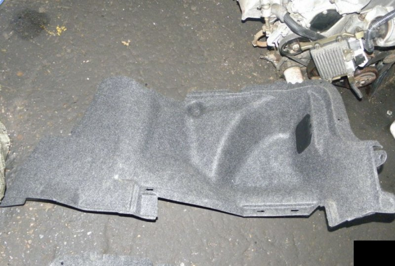 Обшивка багажника Toyota Corolla ZRE150 ZRE151 1ZR-FE правая