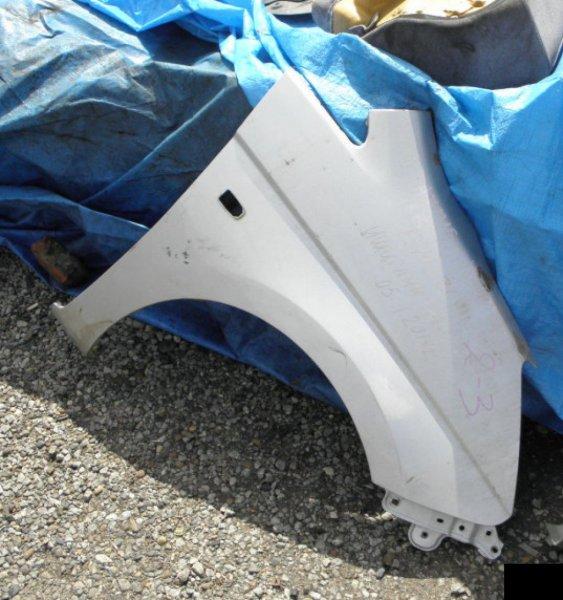 Крыло Toyota Isis ZNM10 1ZZFE переднее правое