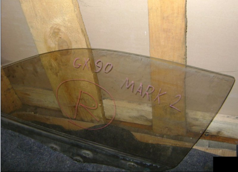 Стекло двери Toyota Mark Ii GX90 1GFE переднее левое