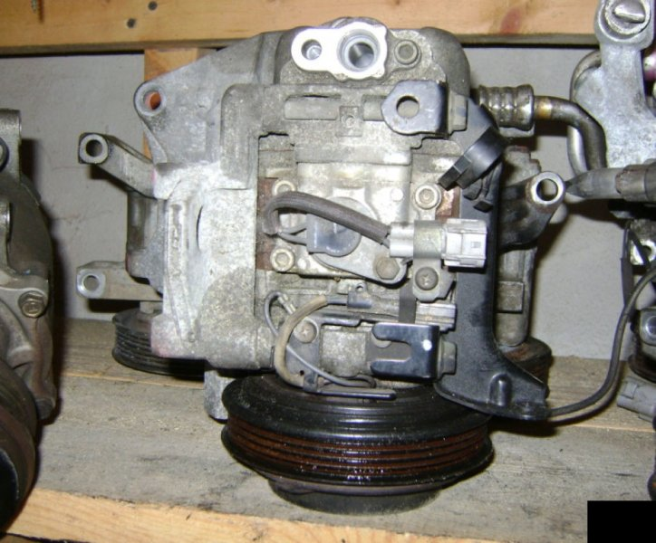 Компрессор кондиционера Subaru Legacy B4 BE5 EJ201
