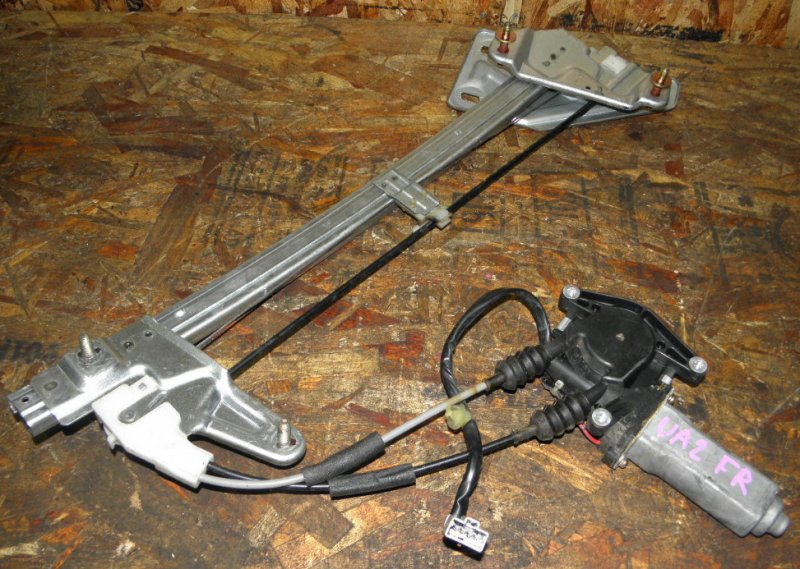 Стеклоподъемник Honda Inspire UA2 G25A передний правый