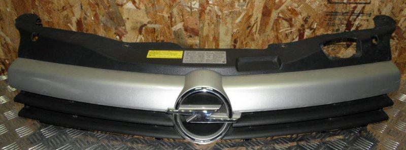 Решетка радиатора Opel Astra ASTRA H Z18XE передняя