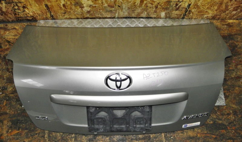 Крышка багажника Toyota Avensis AZT250 1AZFSE 2006